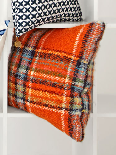 trend alert: crazy for plaid | the furniture finder